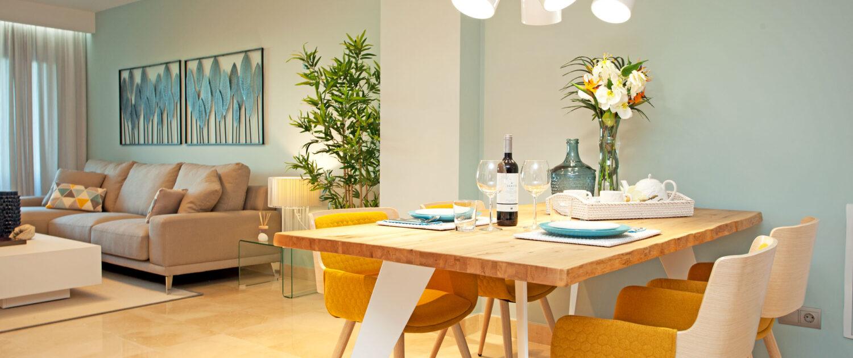comedor en apartamento alquiler vacacional de Marbella